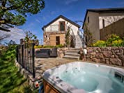 Overnight Luxurious Five-Star Suite in the Stunning Welsh Countryside