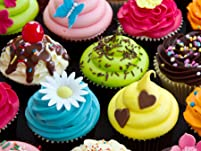 Cupcake and Macaron Tour of London with Seven Tastings